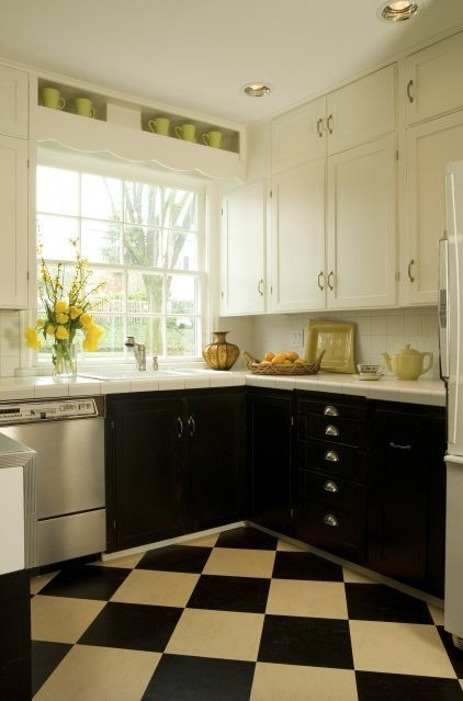 Traditional Kitchen By Emery Associates Interior Design Black Kitchens Black Kitchen Cabinets Kitchen Design