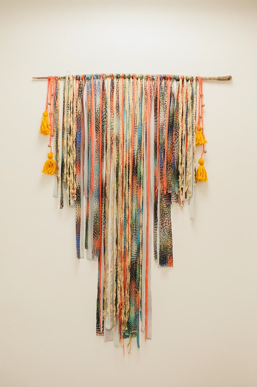 Diy Wall Hanging Tapestry It Would Be So Easy To Make
