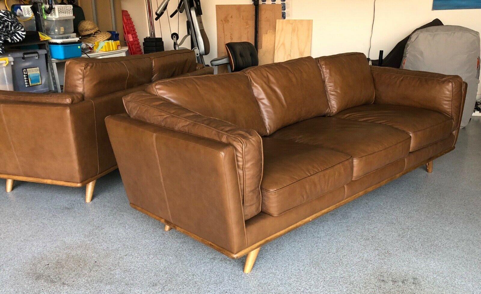 Freedom Furniture Dahlia 3 2 Seat Leather Lounges Ex Display Home Used Ebay Freedom Furniture Leather Lounge Living Room Leather