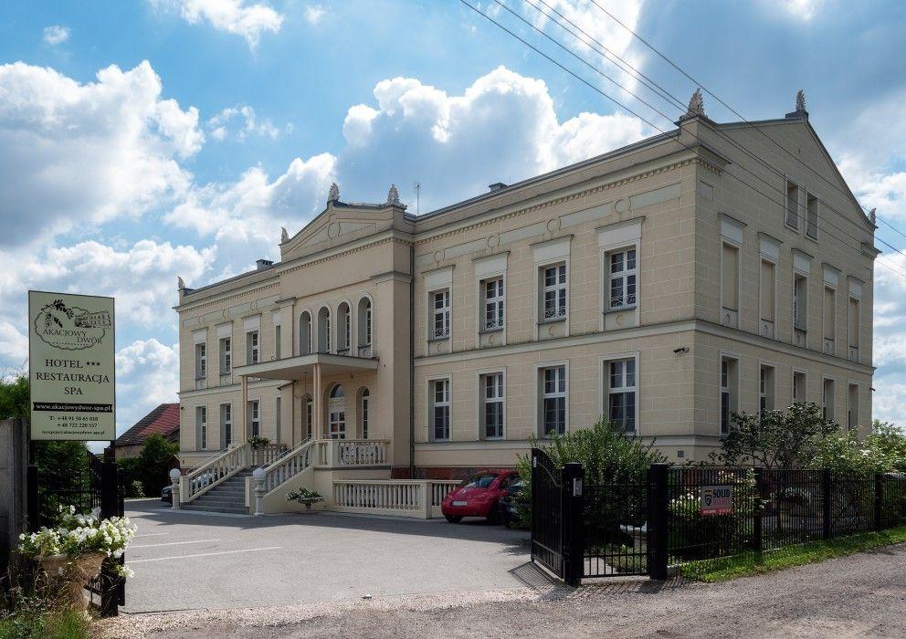 "Gutshäuser in Westpommern Hotel ""Akacjowy Dwor"" in"