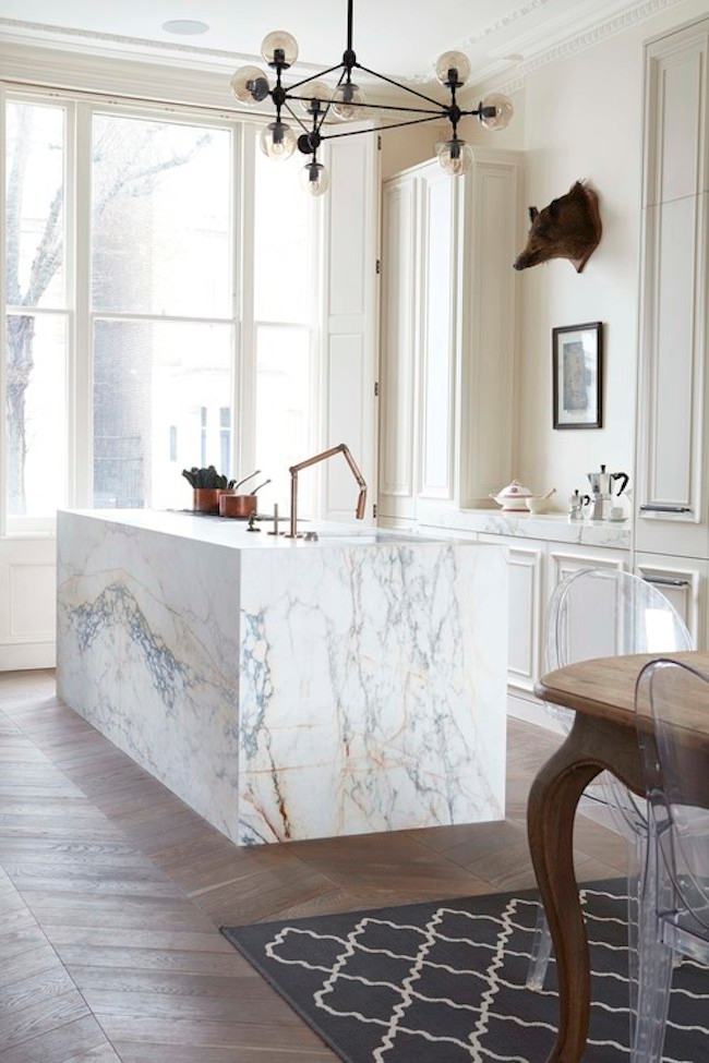 Old Meets New In Notting Hill Lark Linen In 2020 Kitchen Marble Parisian Kitchen Home Decor Kitchen