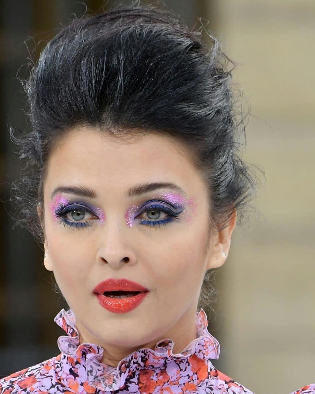 Aishwarya Rai On Instagram Q U E E N Aishwaryainparis Aishwarya Aishwaryarai Aishwarya Aishwarya Rai Makeup Aishwarya Rai Fashion Makeup