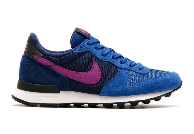 quality design cc957 79da0 Nike Women s Internationalist, Dark Royal Blue Purple Dusk-Midnight Navy