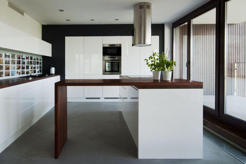Projekt Kuchni Biala Kuchnia Z Wyspa Kuchenna Interior Design Kitchen Home Decor Modern Kitchen