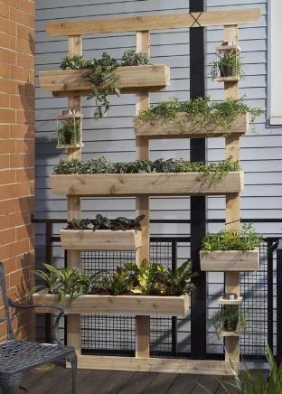 jardinera con palets horitontales