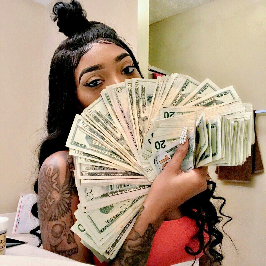 Eyenvyar Iota E In 2019 Money Stacks Mo