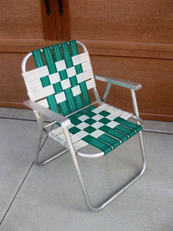 This Is Your Clic Summer Time Lawn Chair Green And White Striped Webbing It Size When Open Stands 31 High With The Seat 16 Off