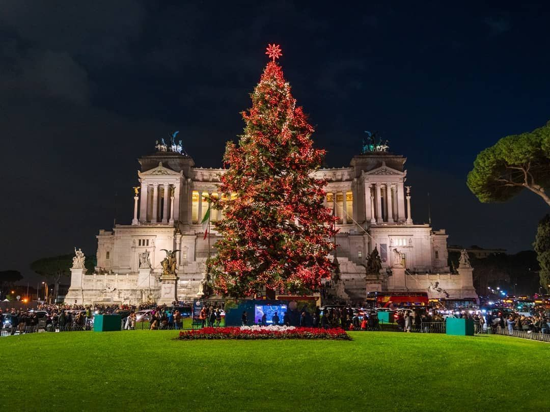 Christmas In Rome Magic Post Office Wanted In Rome Christmas In Rome Piazza Venezia Best Places In Italy