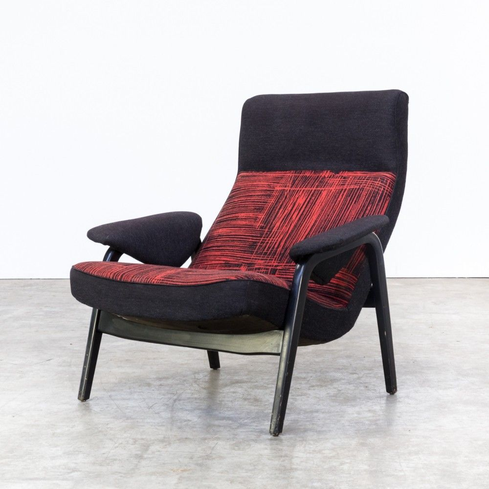 73cbe5bc198f Model 137 lounge chair by Theo Ruth for Artifort