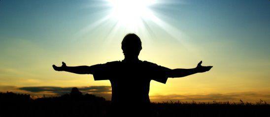 """""""Вы боитесь смерти, а смерти нет. Смерть существует только в вашем сознании. В Божественном мире есть только вечная жизнь и вечное блаженство счастья. И смерть, по сути, является только процессом перехода вашей души из одной формы существования в другую""""."""