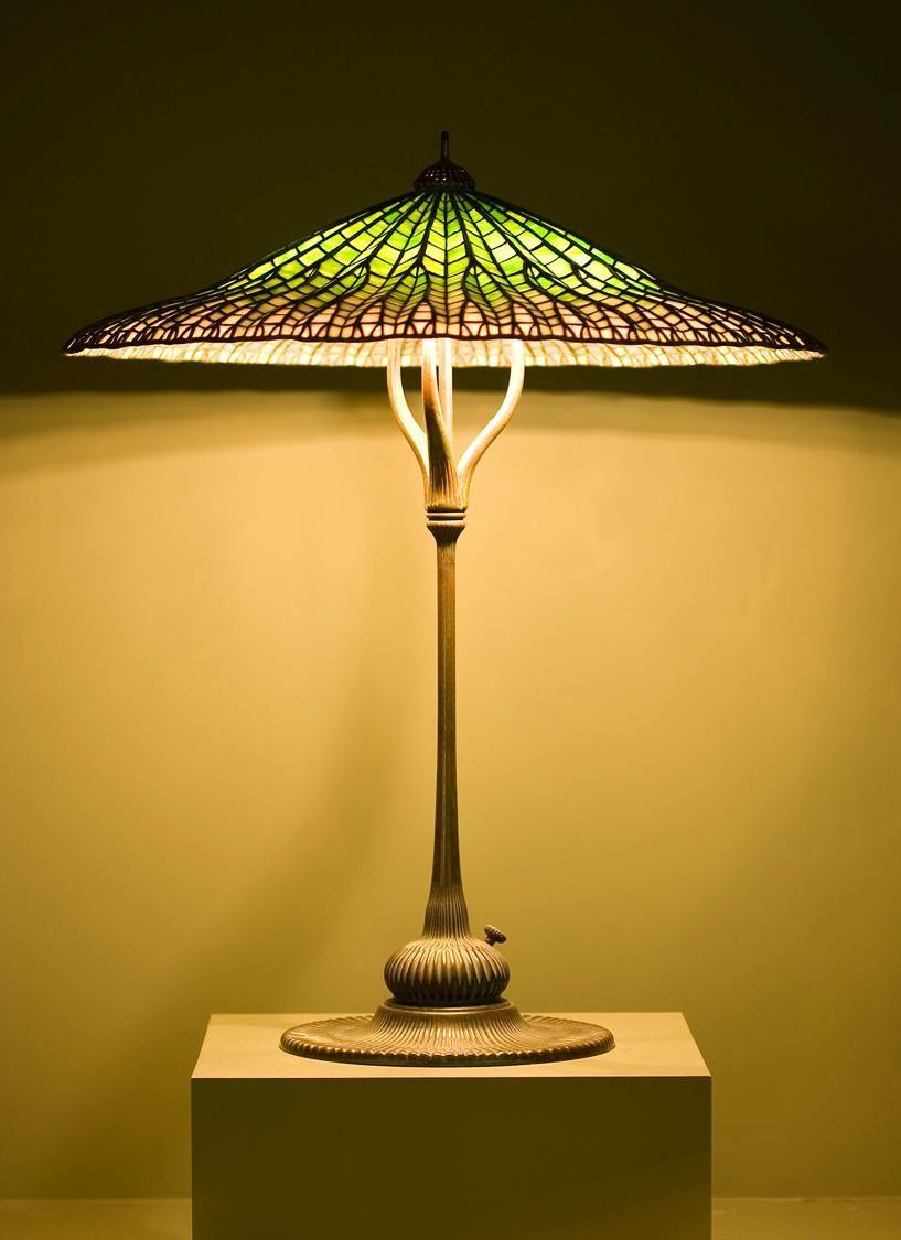 Www Italialiberty It Theworldartnouveau Lotus Pagoda Lamp Tiffany Studios Stained Glass Lamps Lamp Studio Glass