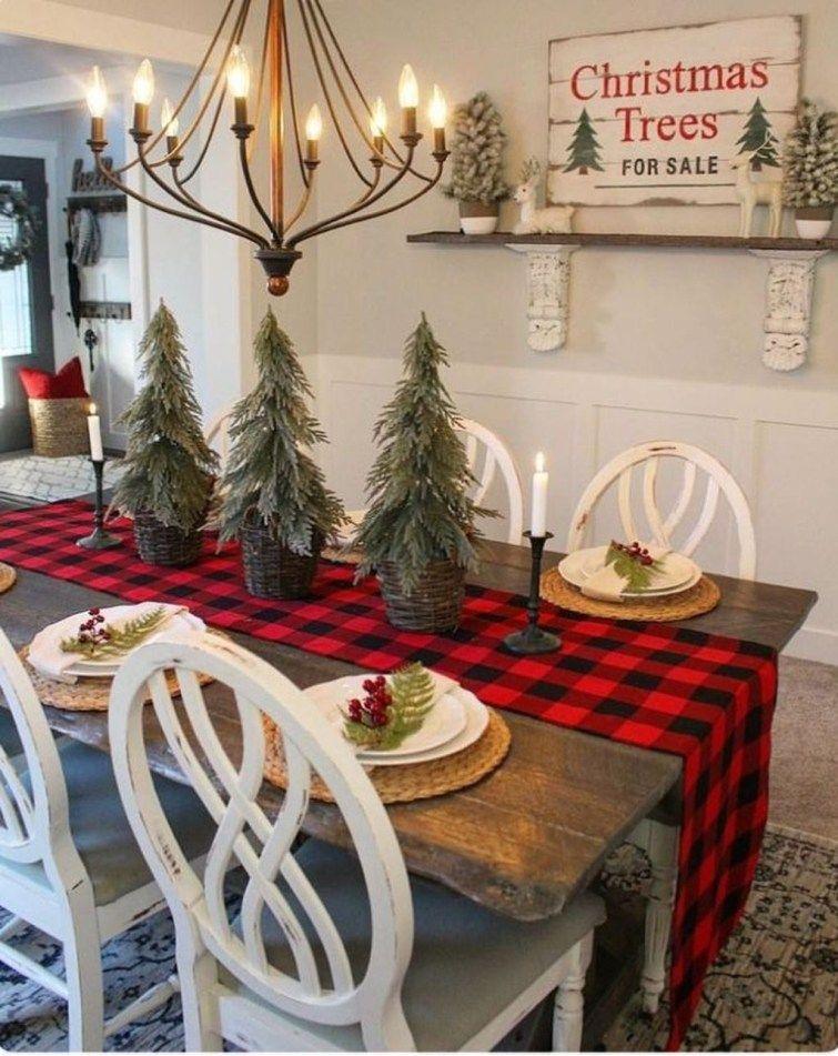 44 Stunning Christmas Decor Ideas With Farmhouse Style For Living Room - Trendehouse #christmasdecorideasforlivingroom
