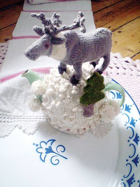 Winter Wonderland reindeer tea cozy, what a scream...............