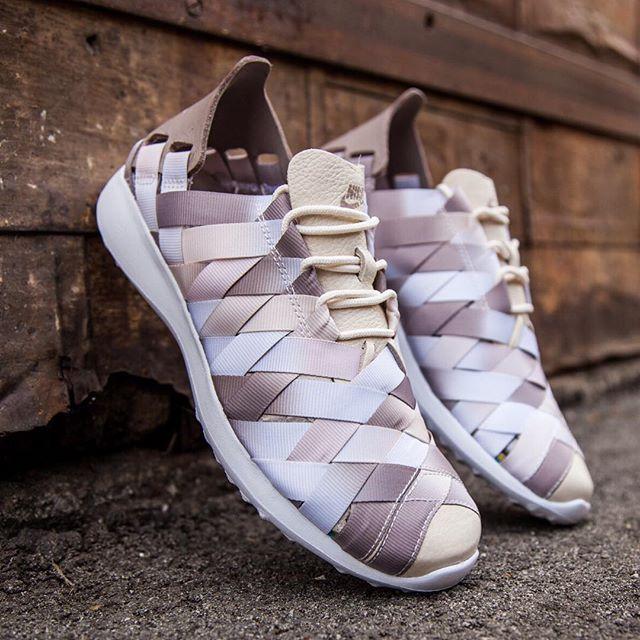 bc14536393bbe Nike Womens Juvenate Woven Premium i