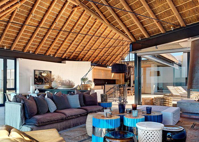 Silver Bay Holiday House by SAOTA Architects - InteriorZine