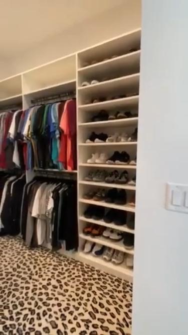 .skoes and clothes closet