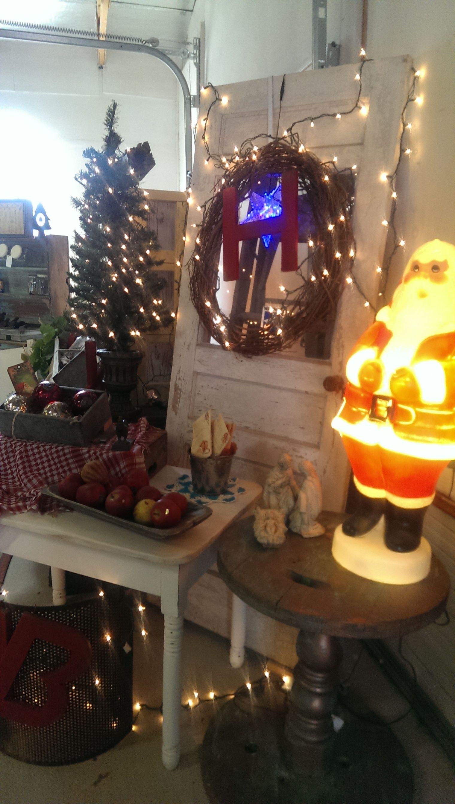 Christmas Is In The Air At Red Door Lane Leander Flea Market