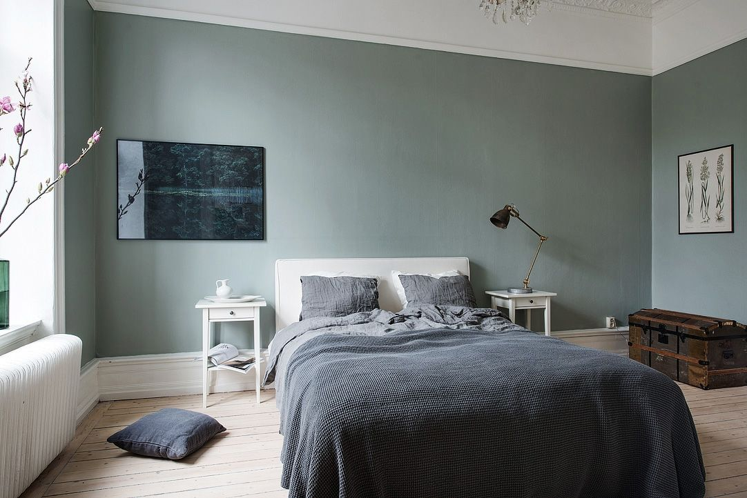 Majestic Home With A Green Bedroom Via Cocolapinedesign Com