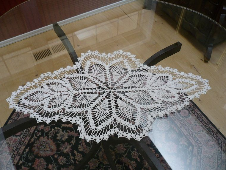 """Medallion white  doily, oval pineapple w leaves, 25 1/2"""" x 14 1/2"""" by ConcealedTreasures on Etsy"""