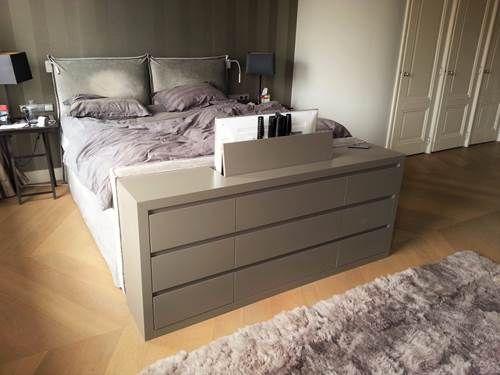 Tv lift meubel aan voeteneinde bed   Slaapkamer   Pinterest ...