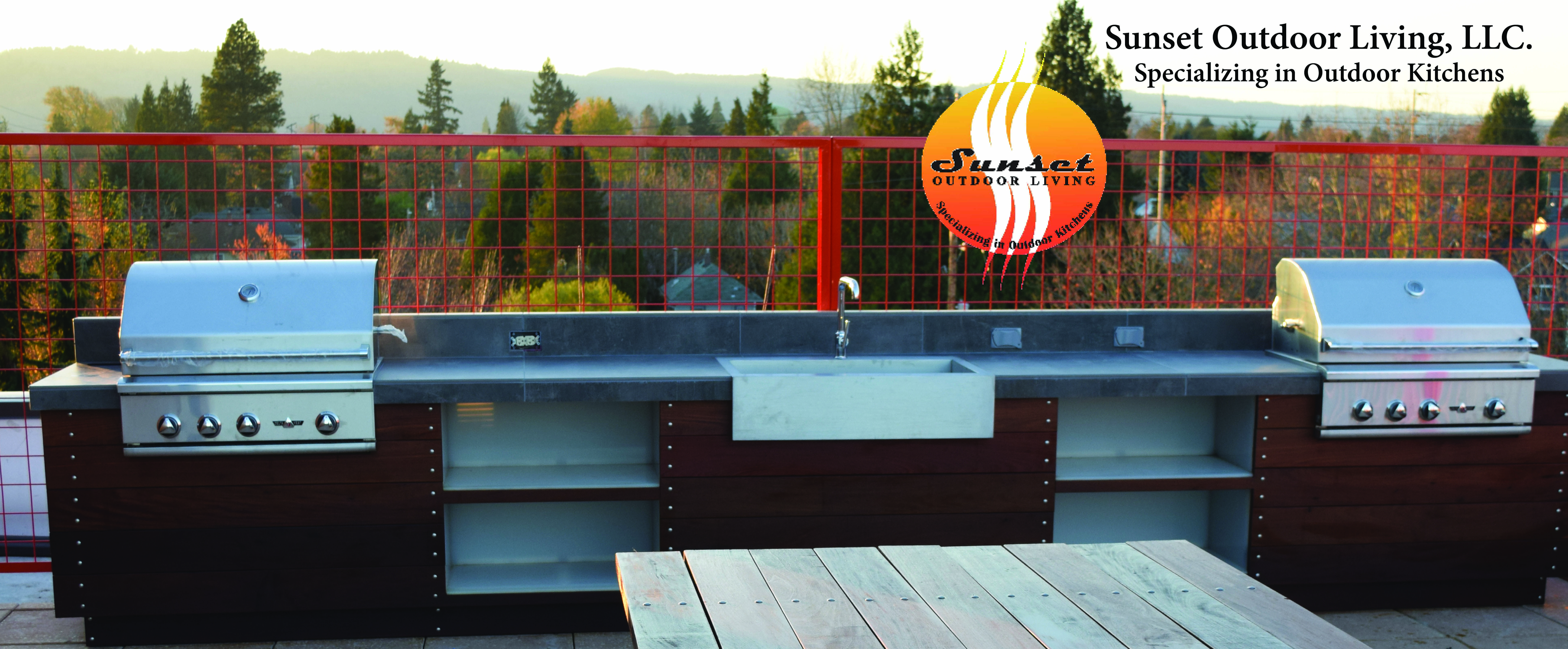 Portland Oregon Rooftop Apartment Outdoor Living Outdoor Kitchen Custom Created By Sunset Outdoor Living Outdoor Living Ipe Wood Outdoor Kitchen