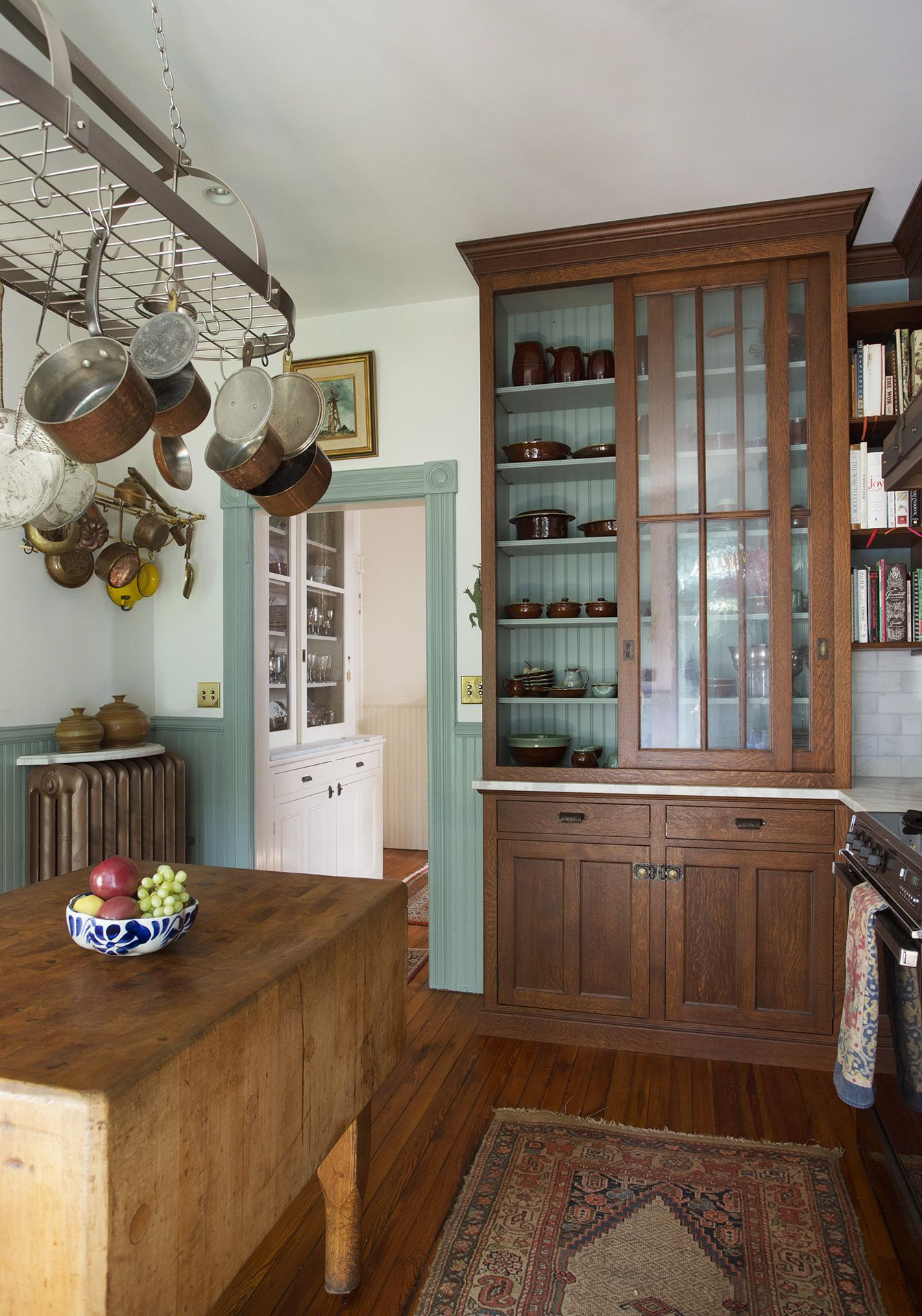A Cornerstone Of The Capitol Hill House Renovation Was Transforming An Early 1900s Kitchen Into A Farmhouse Kitchen Cabinets Home Kitchens Kitchen Restoration
