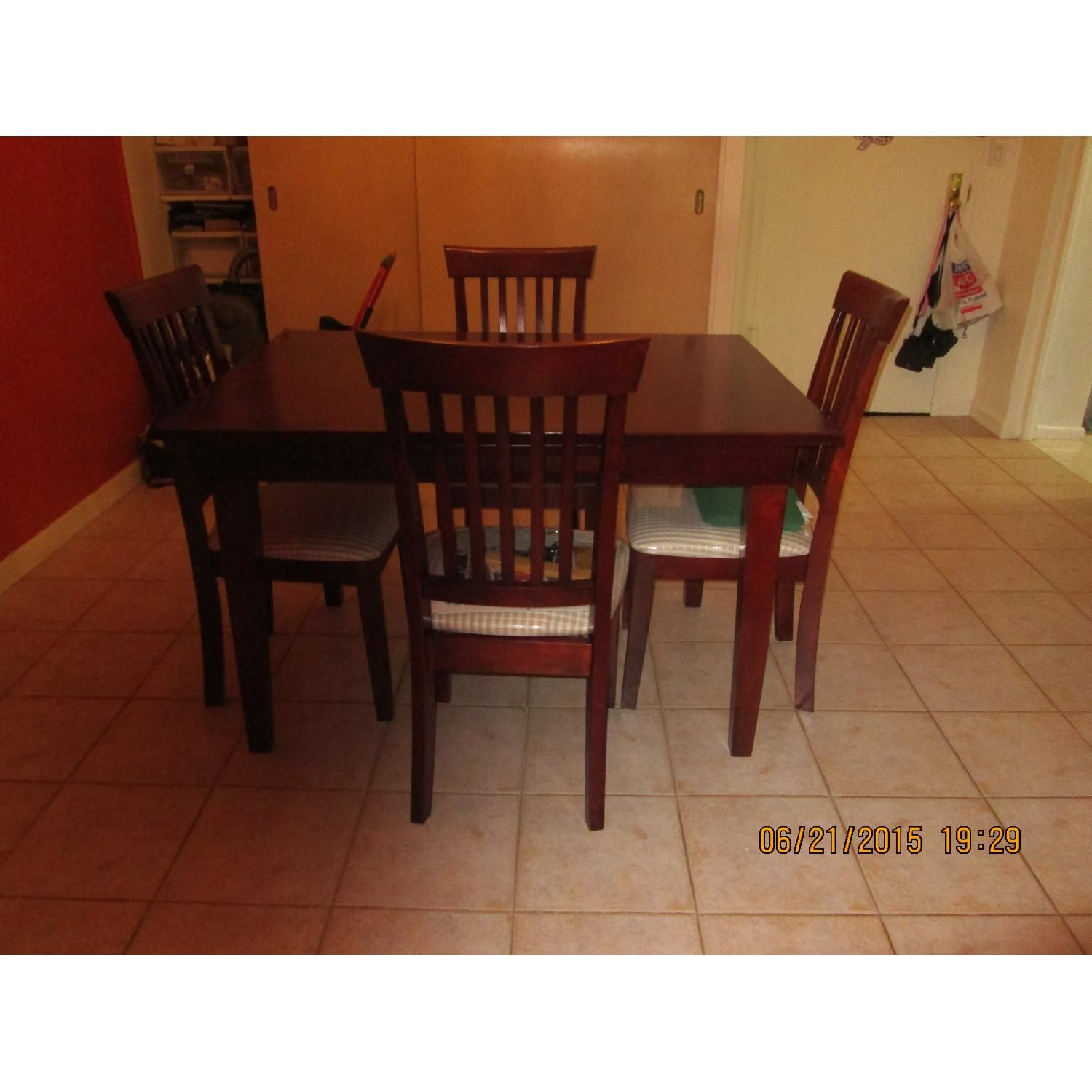 Dining Table W 4 Chairs Aptdeco Dining Dining Table Dinette Sets
