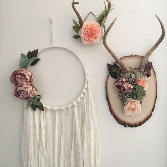 Floral antlers. Shabby chic wall decor. Bohemian by Gypsydaydream: