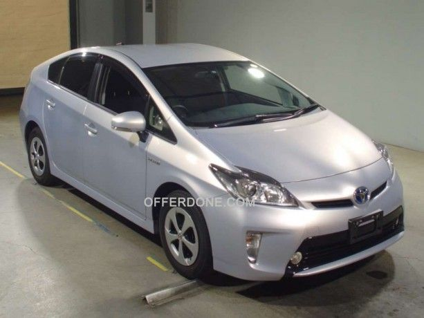 Toyota Prius Zvw30 May 2015 For Sale In Pakistan 1 8s Light