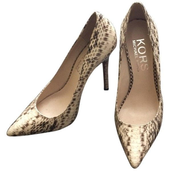 07a06ad7e9 Pre-owned Michael Kors Aberly Creamish, Snake Skin Pumps (1.505 HRK) ❤  liked on Polyvore featuring shoes, pumps, sexy shoes, michael kors, snake  skin pumps ...