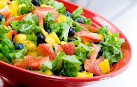 comida sana -Fruta y verdura una gran combinación para una  comida rapida.