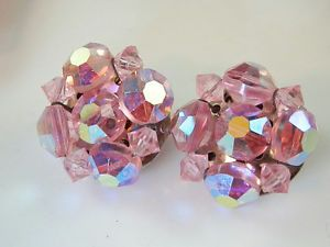 Super Shiny & Sparkly Pink Aurora Crystal Earrings Vintage 1950s  100N4