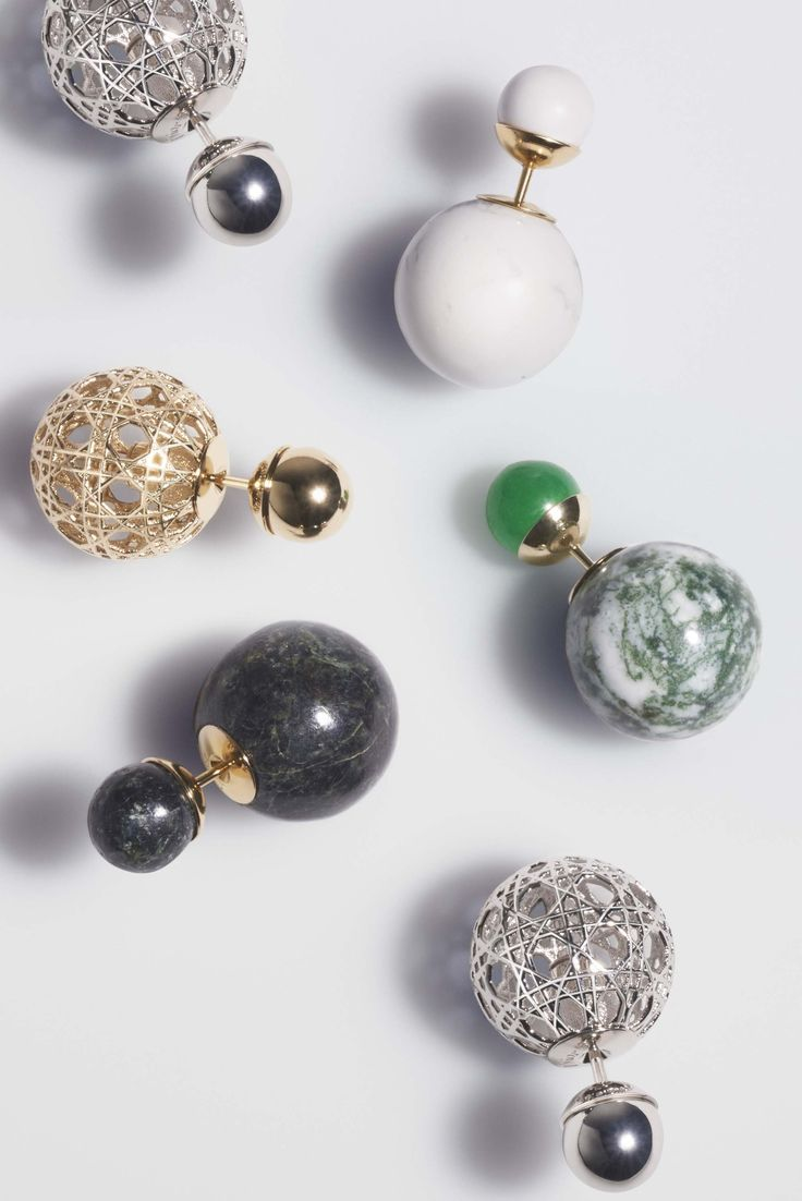 Boucle d'oreille dior tribale perle