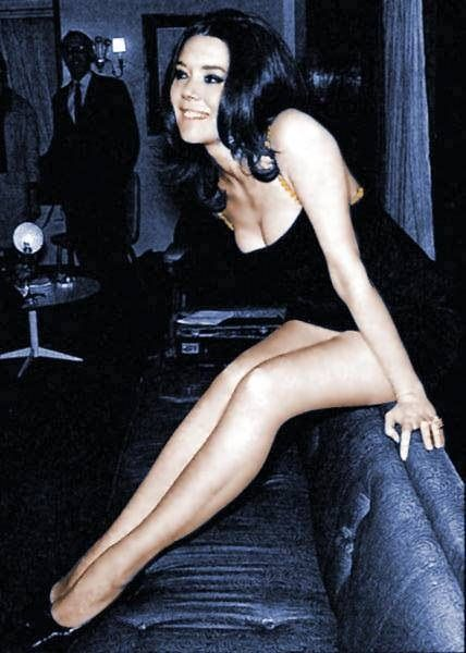 Look at those legs | Dame diana rigg, Emma peel, Diana riggs