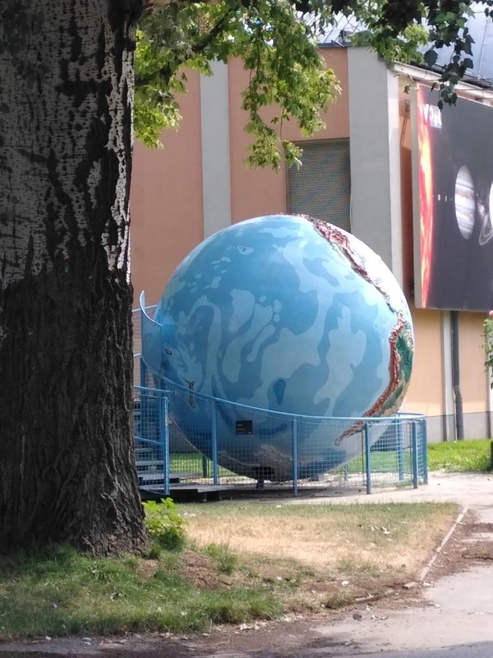 #ContemporaryArt! Globus vor der Sternwarte spotted by TheOSWR in @ArtSpotsApp