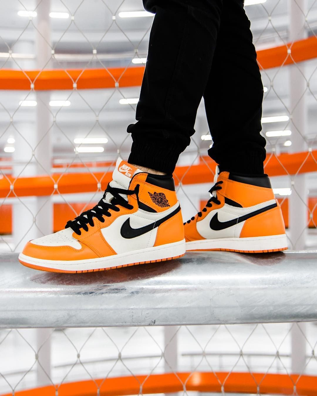 Air Jordan 1 Retro High Og Reverse Shattered Backboard