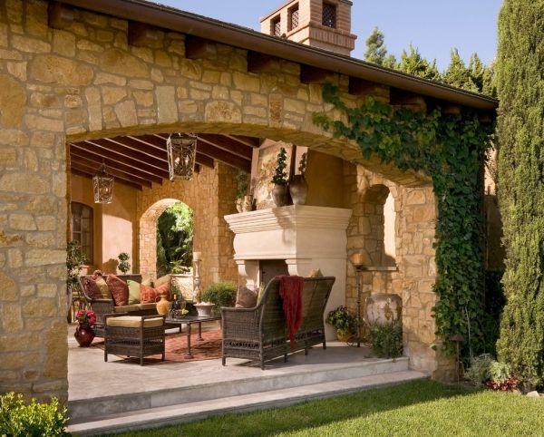 Mediterrane Luft Und Sonne Sind Auch Im Schatten Zu Spuren Terrassengestaltung Villa Toskana Toskana