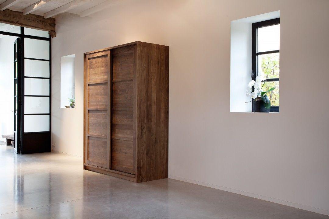 teak massivholz schrank teak knockdown von ethnicraft erh ltlich in unserem store in koblenz. Black Bedroom Furniture Sets. Home Design Ideas