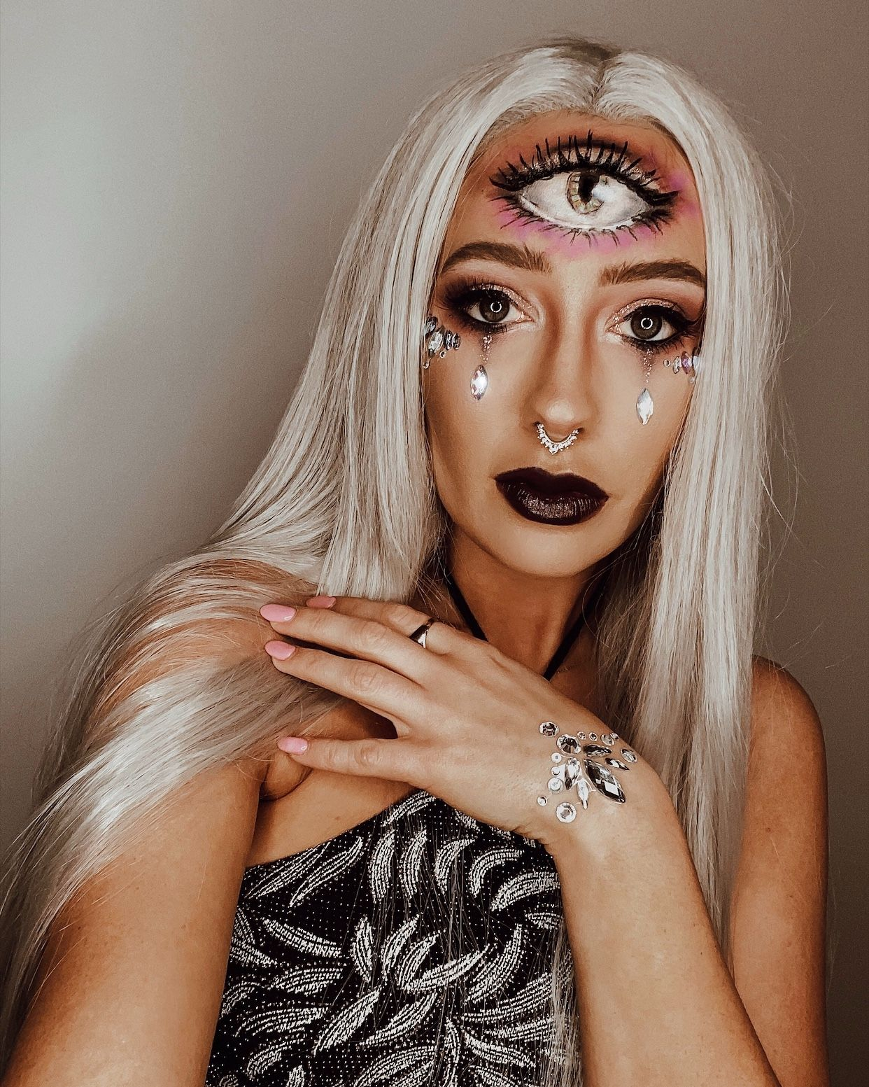 Easy DIY Halloween makeup and costume idea! Cute fortune