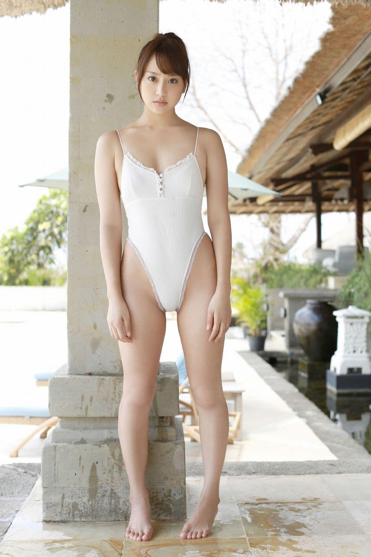 asian-lesbian-swimsuit-nakedmenlockerrooms
