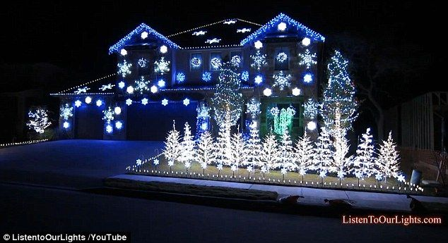 Texas home owner unveils Gangnam Style Christmas lights show using more  than 25,000 synchronized LEDs | Mail Online - Home Owner Unveils Gangnam Style Christmas Lights Show Powered By