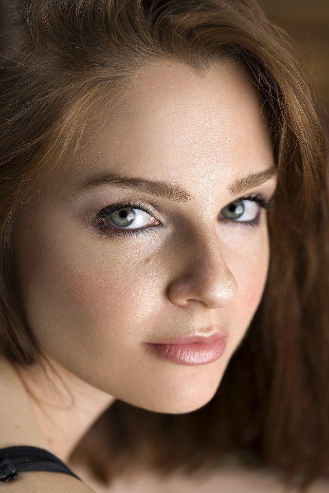 Pin en 0.Celebrities Actresses Singers