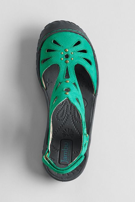Women's closed toe comfort sandals