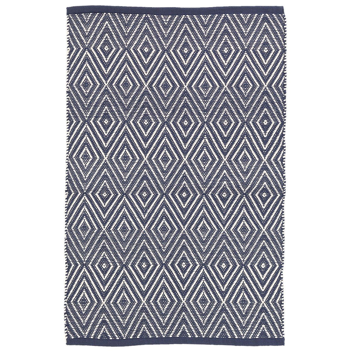 Create A Timeless Look With This Best Ing Indoor Outdoor Rug Made From