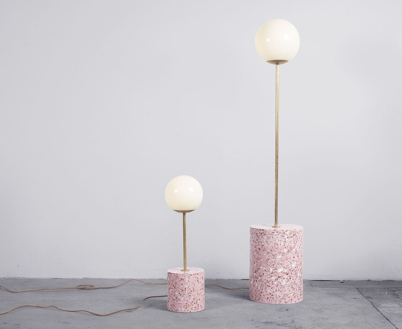Symbols Snakes And Spirituality In A New Collection Of Terrazzo Furniture Minimalistische Dekoration Deko Ideen Und Terrazzo