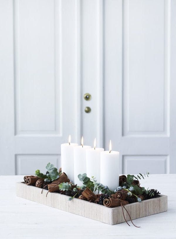 12 Understated (But Still Gorgeous) Festive Decorating Ideas - simple christmas decorating ideas