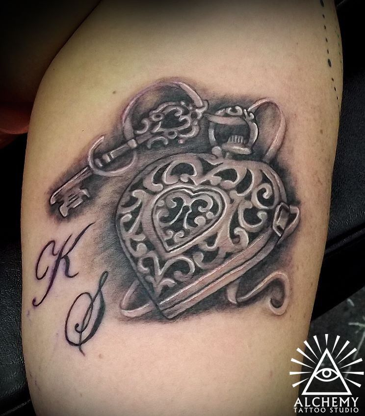 heart locket and key tattoo grand children 39 s initials artist miss c tattoos melbourne. Black Bedroom Furniture Sets. Home Design Ideas