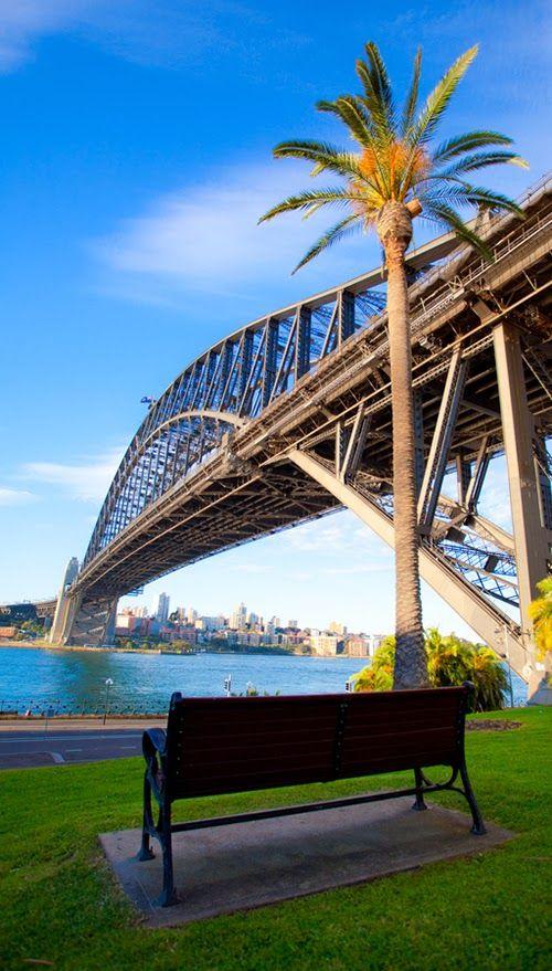 Stunning Harbor Bridge in Sydney Harbour, Australia