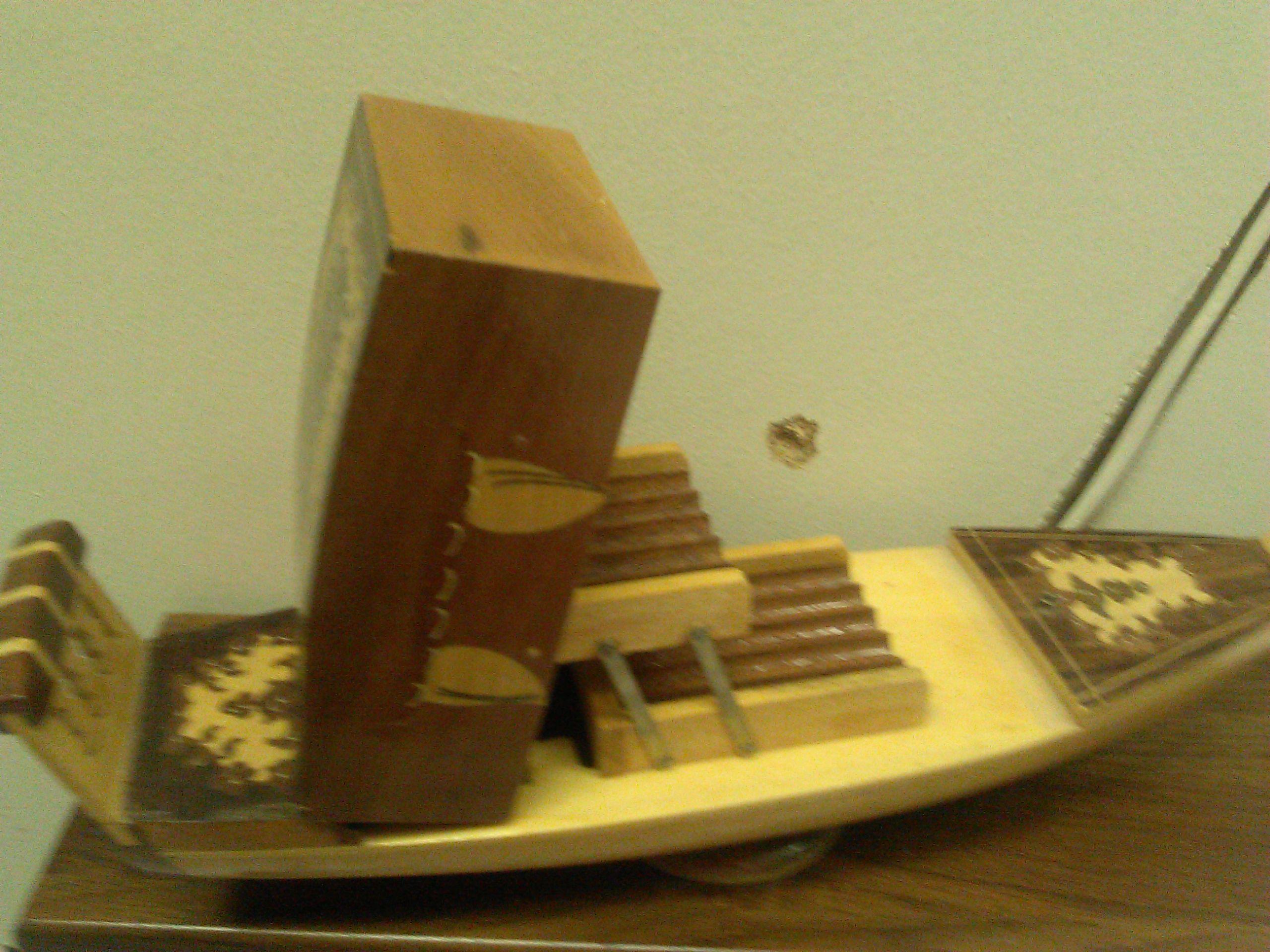 Neat vintage gondola cigarette dispenser. Dispenses cigarettes and is musical.