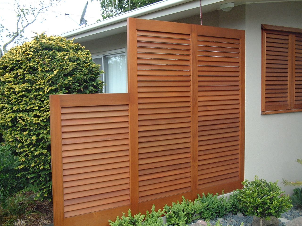 All wood products cedar screens awnings ideas for for Backyard screening ideas
